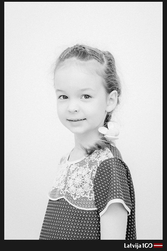 Portrets-BW-109-FrameLV100.jpg
